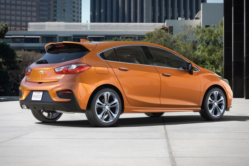 Chevrolet-Cruze-Hatch-2017-2