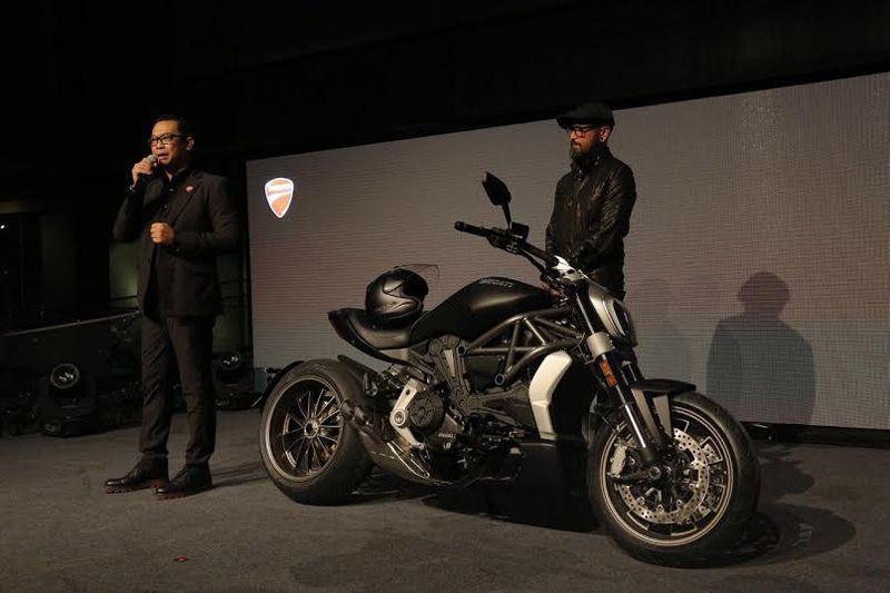 Dhani Yahya, Managing Director Ducati Indonesia saat mengenalkan Ducati XDiavel