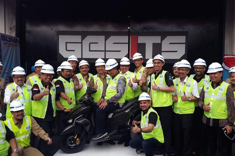 Garansindo, PT Wika dan ITS melakukan MoU untuk produksi motor listrik Gesits