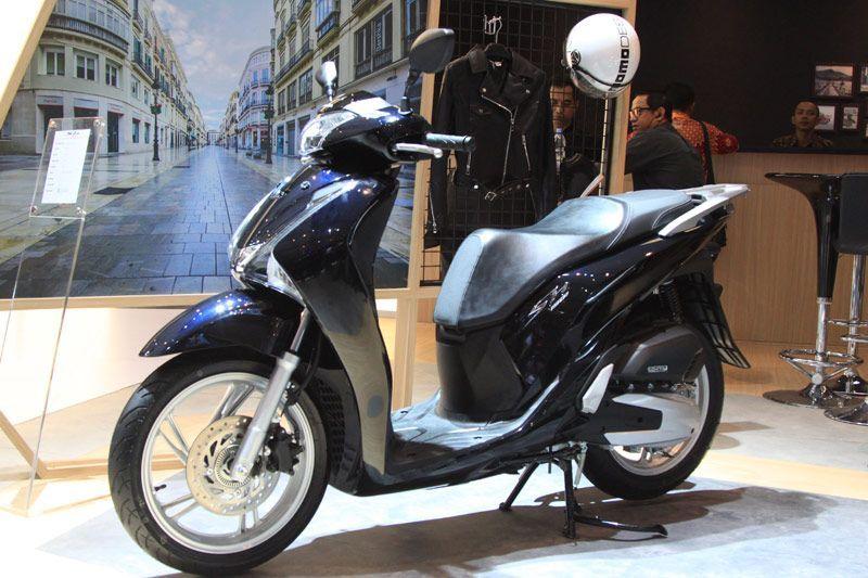 Honda SH150i Dijual Lebih Mahal dari PCX