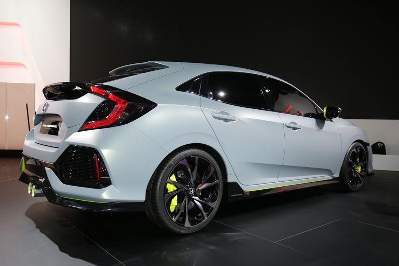 Honda-civic-hatchback-2017-1
