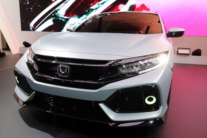 Honda-civic-hatchback-2017