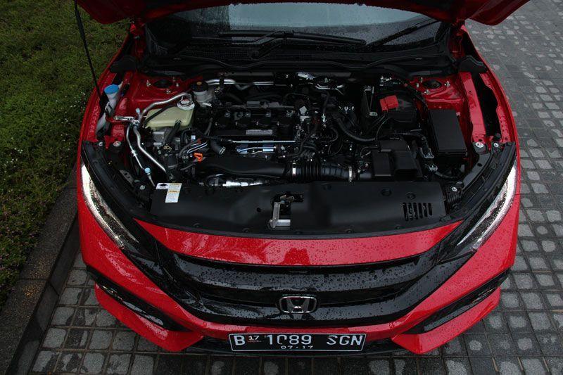 Menantang-Kemacetan-Jakarta-dengan-Honda-Civic-Hatchback-Turbo-3