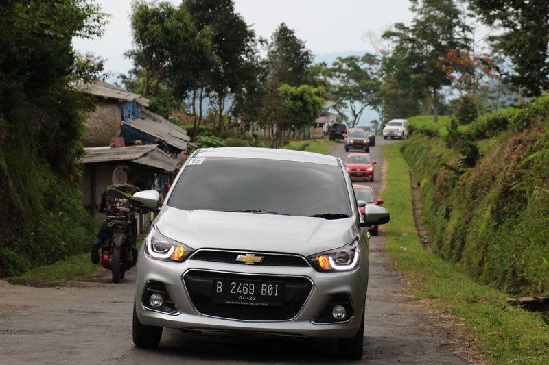 Mencoba-Perfoma-Chevrolet-Spark-di-Jalan-Menanjak-1