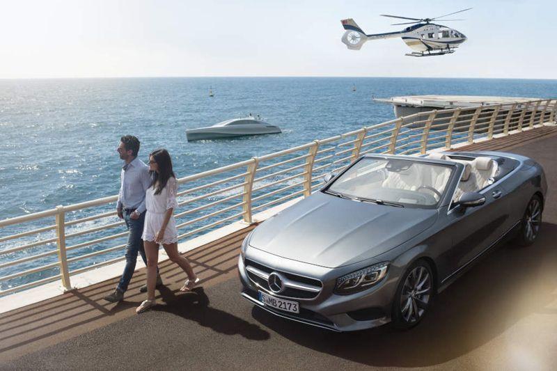 Yacht Mercedes-Benz di lepas pantai Nice