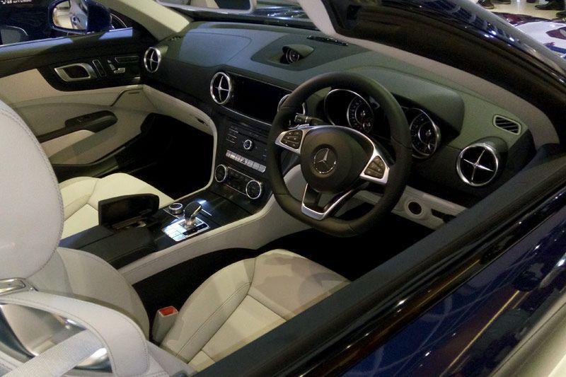 New Mercedes-Benz SL 400