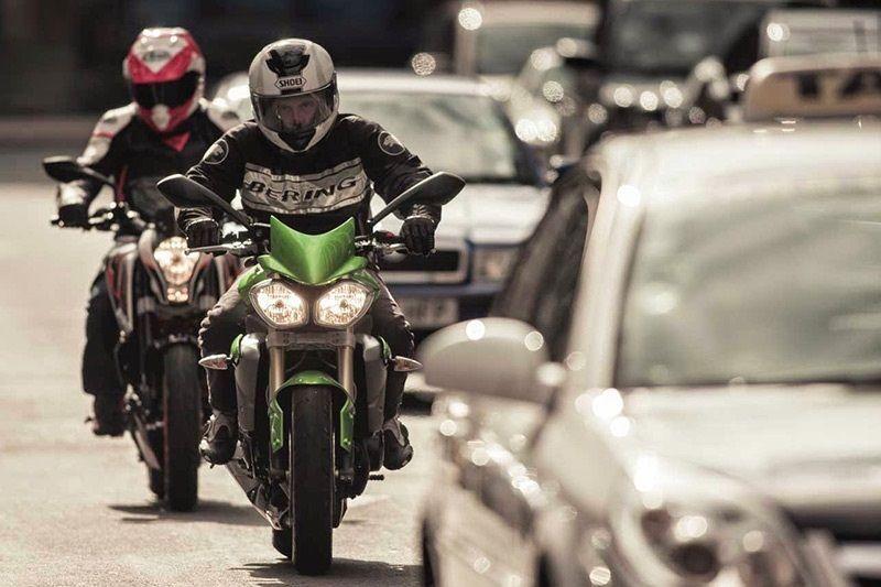 Tips menghindari kecelakaan motor