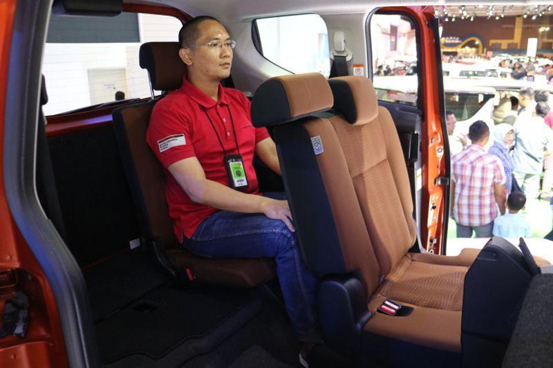 Kursi baris ketiga kurang nyaman untuk penumpang 168cm