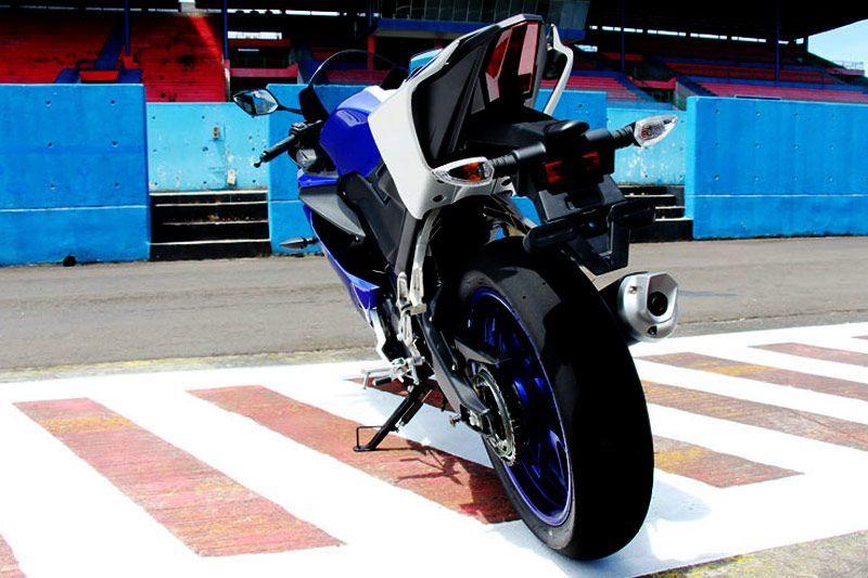 Test Ride All-new Yamaha R15