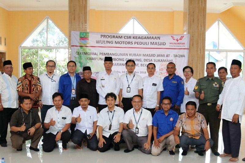 Wuling Motors Donasi Kubah Masjid