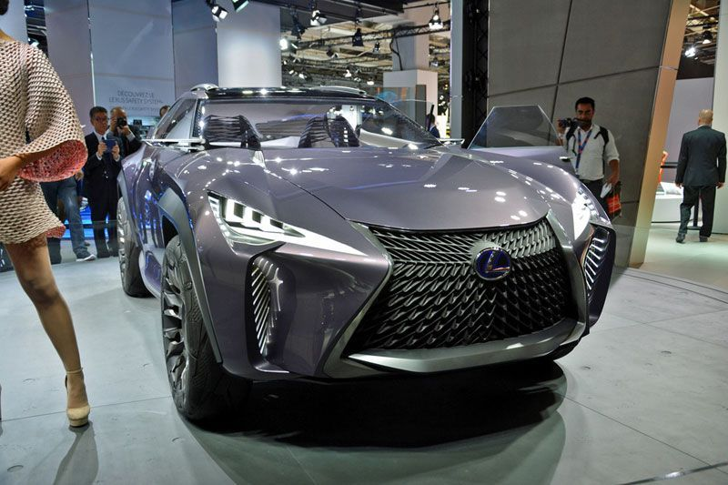Debut Dunia Lexus UX Concept