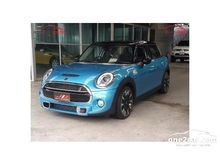 2016 Mini Cooper F55 Hatch S 2.0 AT Hatchback
