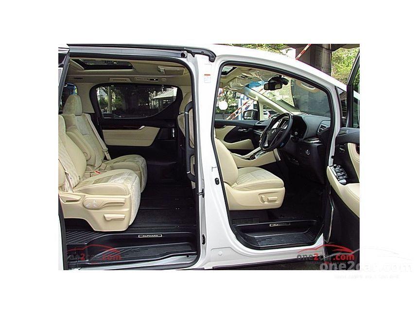 2017 Toyota Alphard HYBRID E-Four Van