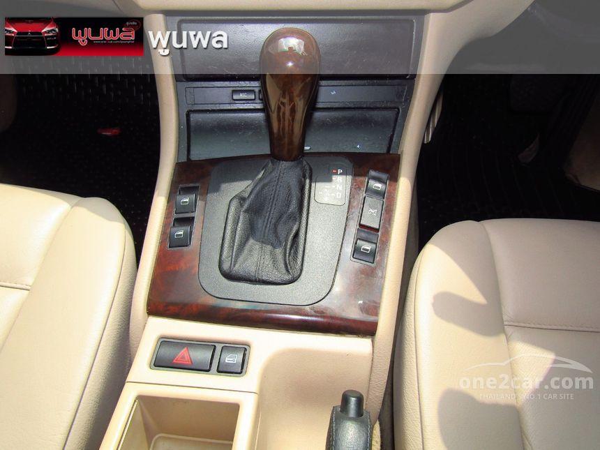 2004 BMW 318i SE Sedan