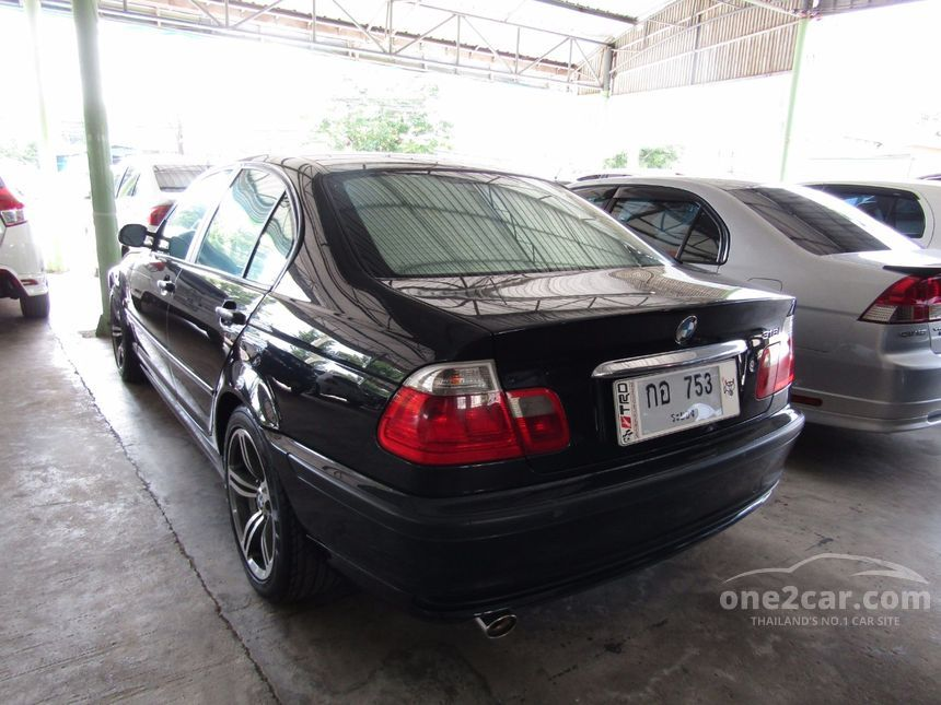 2003 BMW 318i Sedan