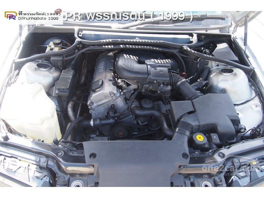 2000 BMW 318i Sedan