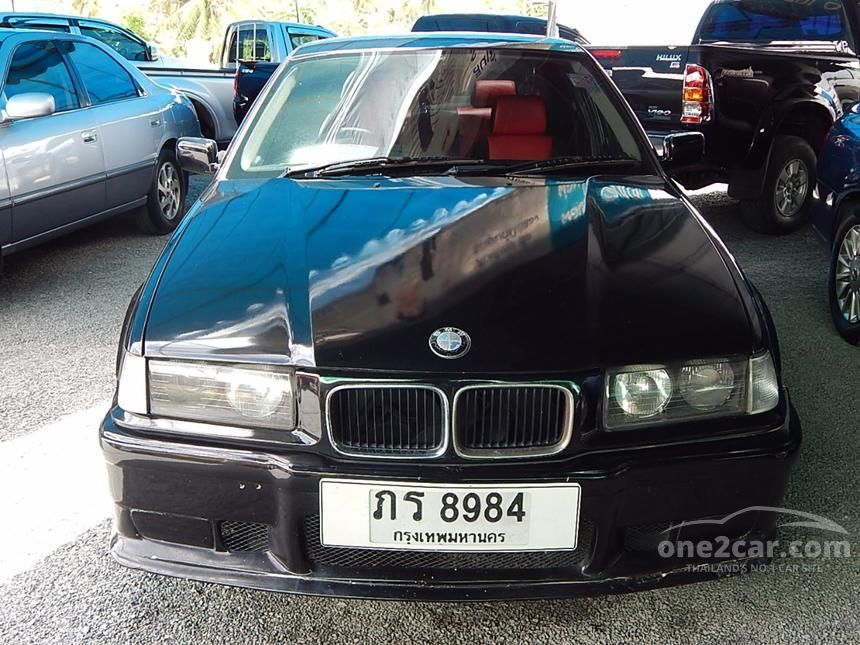 1994 BMW 318i Sedan
