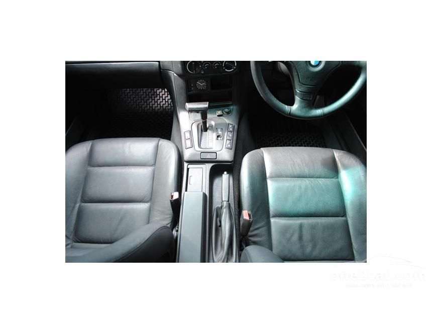 1996 BMW 318i Sedan