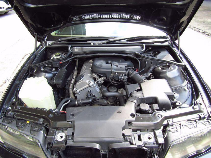 2001 BMW 318i Sedan