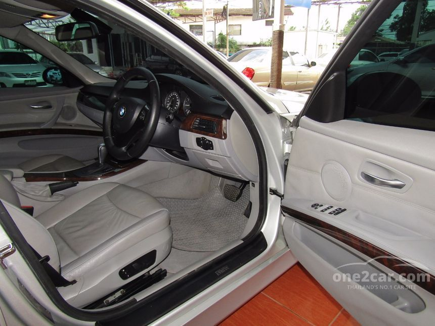 2008 BMW 320i SE Sedan