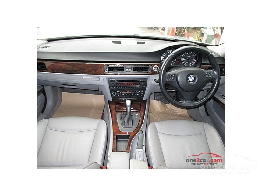 2010 BMW 320i Sedan