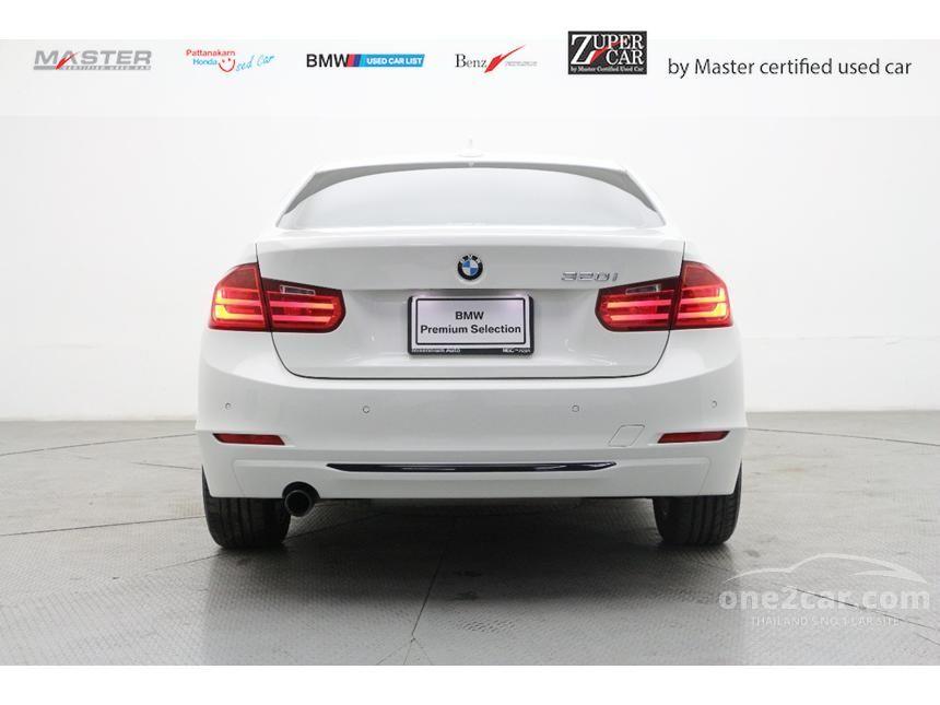 2013 BMW 320i Sedan
