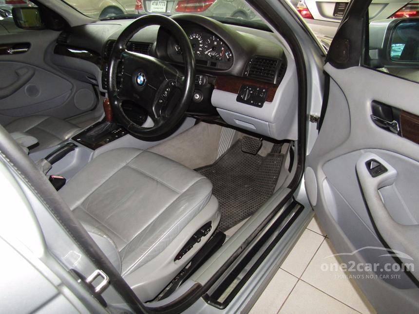 2001 BMW 323i Sedan