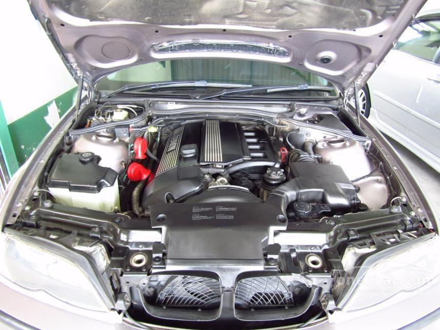 2002 BMW 323i Sedan