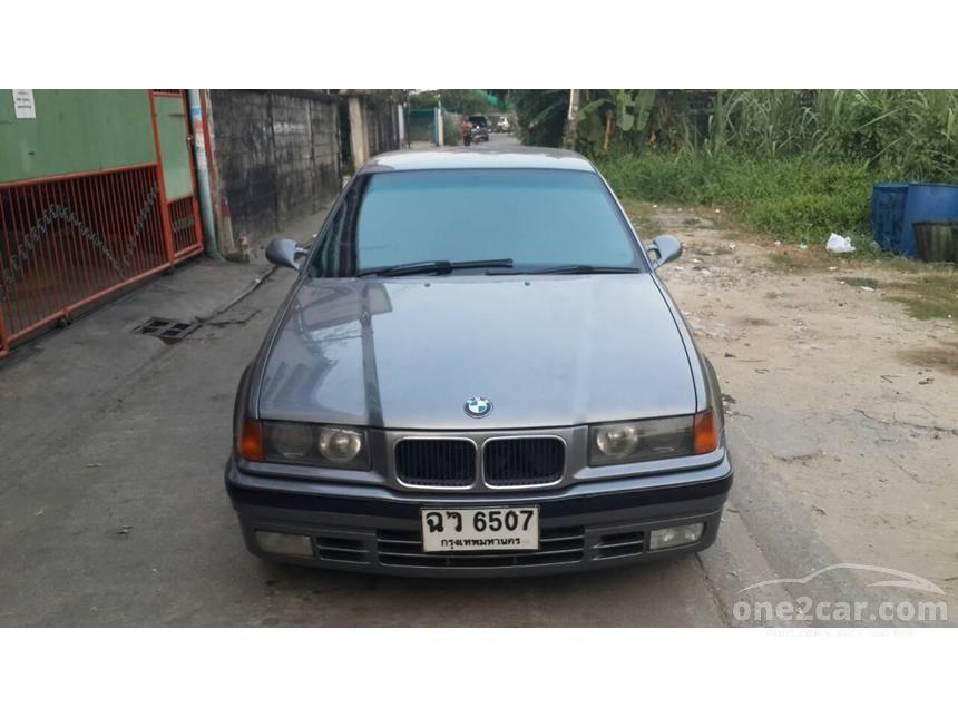 1993 BMW 325i Sedan