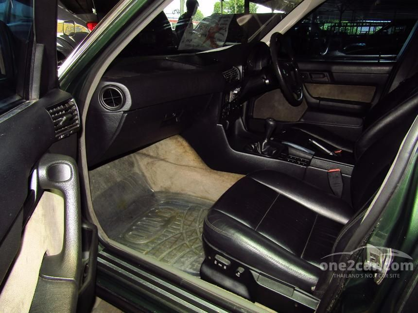 1990 BMW 520i Sedan