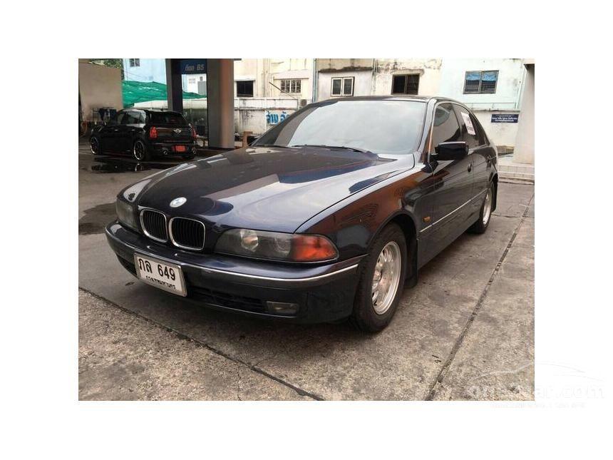 2000 BMW 523i Sedan