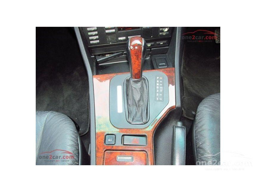 1998 BMW 528i Sedan