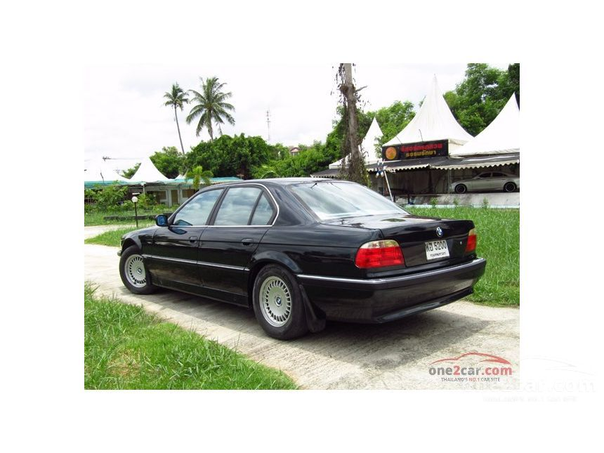 1998 BMW 730i Sedan