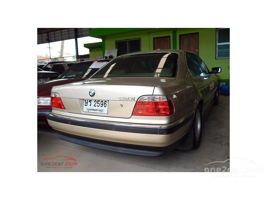 1999 BMW 730i Sedan