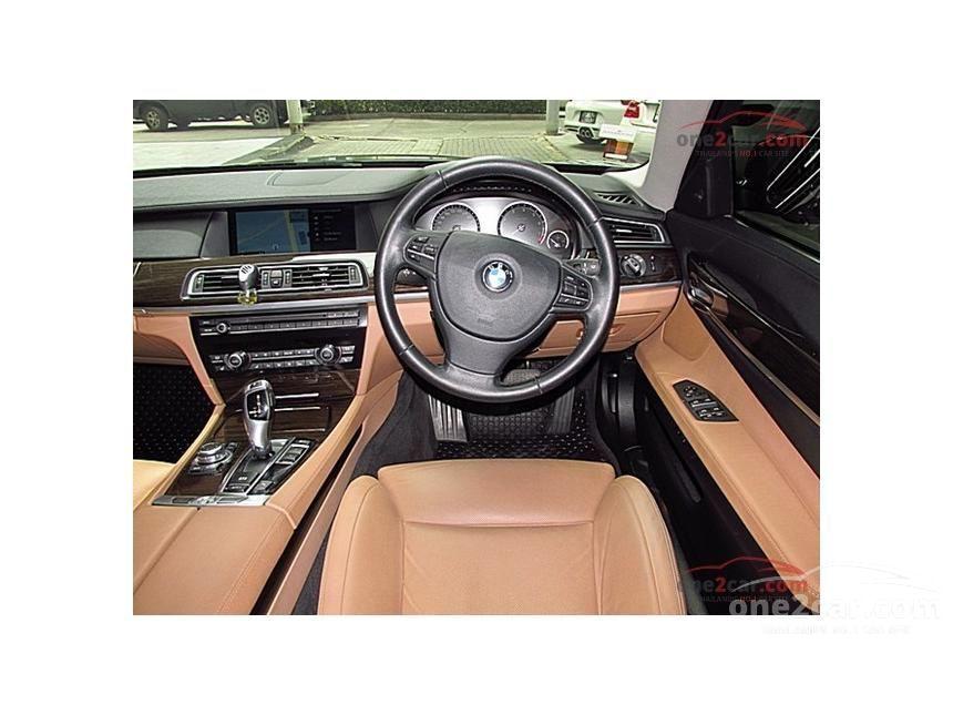 2013 BMW 730Li Sedan