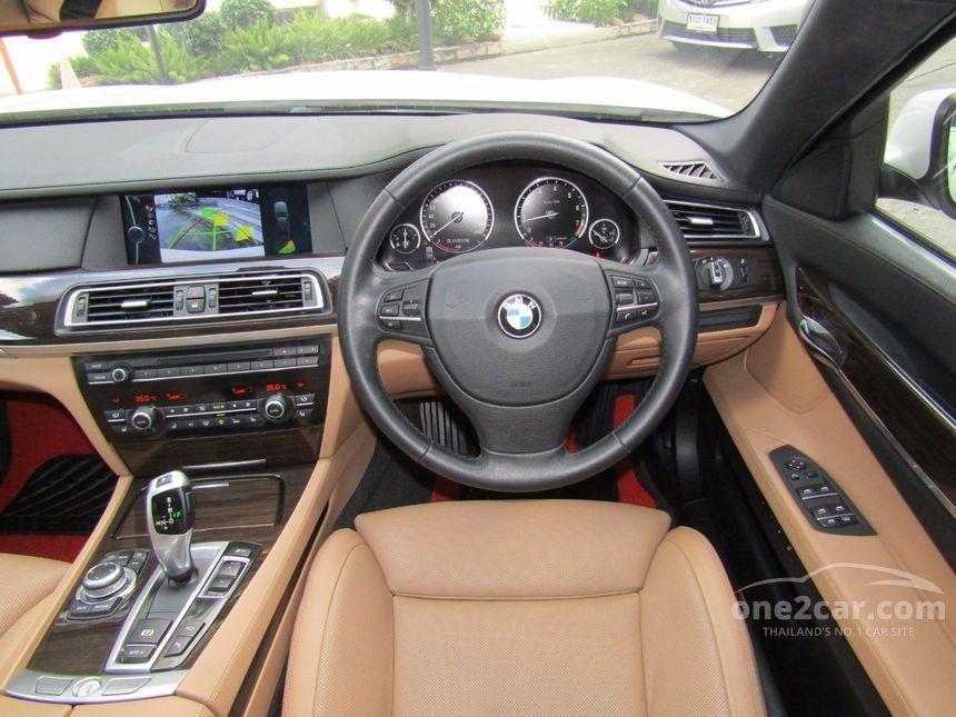 2010 BMW 730Li Sedan