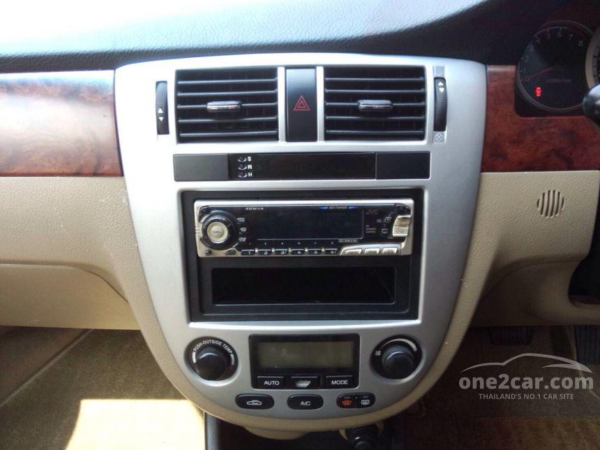 2004 Chevrolet Optra LT Sedan