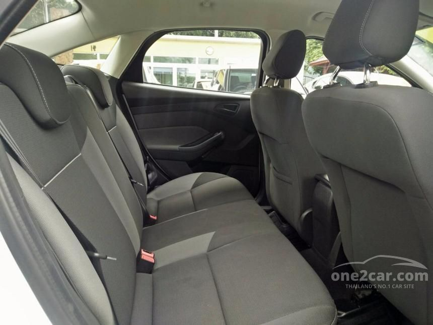 2015 Ford Focus Ambiente Sedan