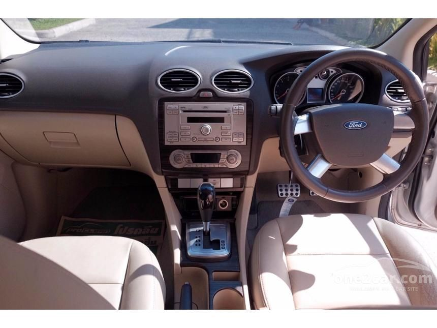 2011 Ford Focus Ghia Sedan