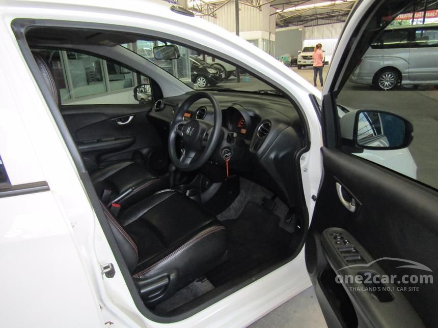 2015 Honda Brio Amaze V Sedan