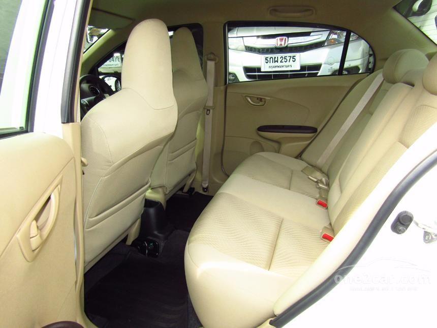 2013 Honda Brio Amaze V Sedan