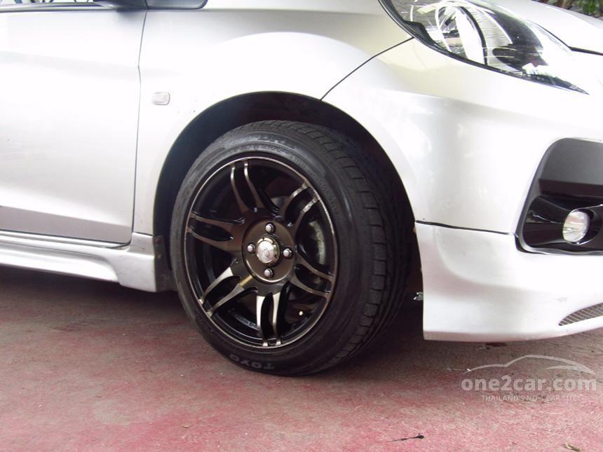 2013 Honda Brio V Hatchback