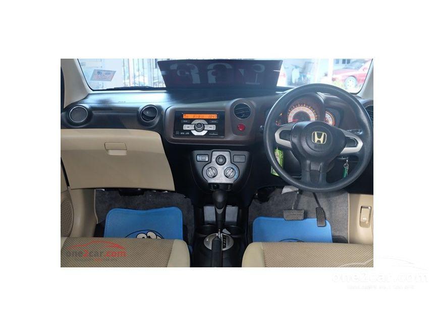 2011 Honda Brio V Hatchback