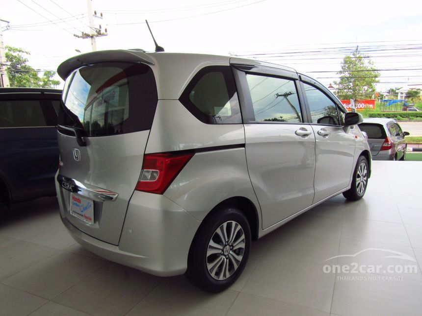 2012 Honda Freed SE Wagon