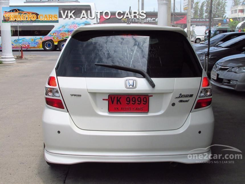 2006 Honda Jazz E Hatchback
