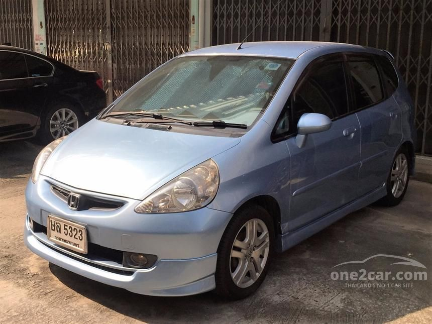 2004 Honda Jazz E Hatchback