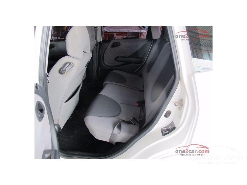 2006 Honda Jazz E Hatchback