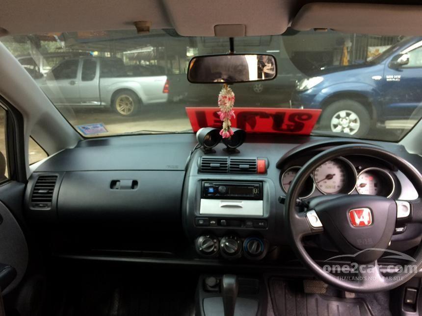 2004 Honda Jazz E Hatchback