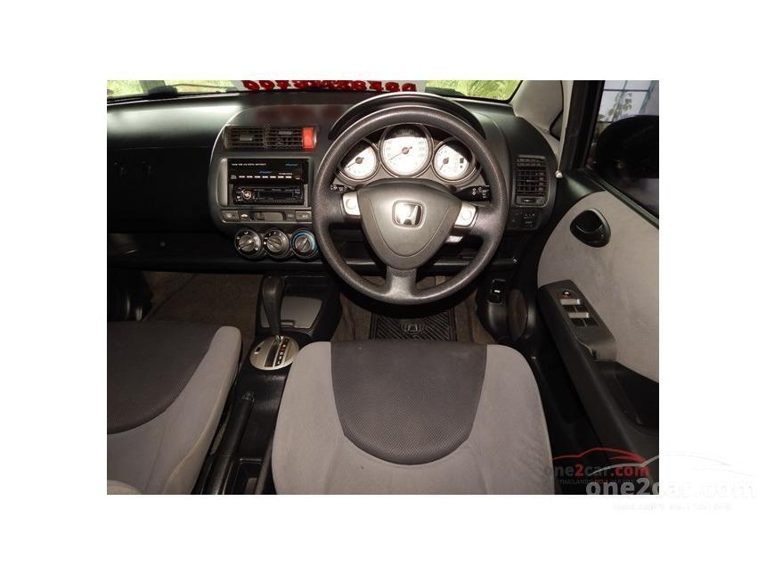 2006 Honda Jazz E-V Hatchback