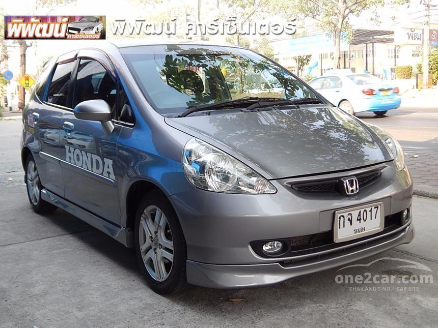 2005 Honda Jazz E-V Hatchback